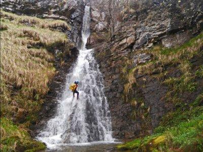 Barranco de Argumedo nivel II en valle de Soba 3 h