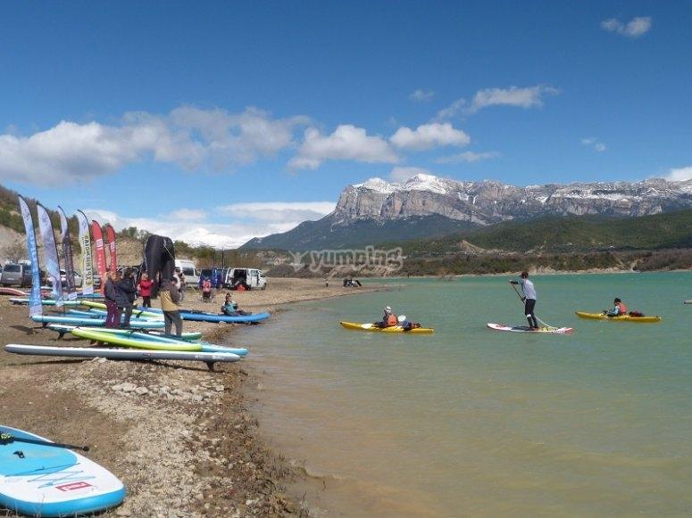 Juegos con la tabla de paddle surf