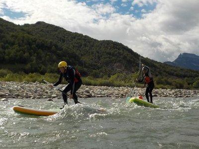 Ruta de paddle surf aguas bravas en Escalona 3h