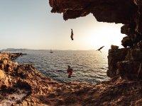 Salto al mar en Ibiza