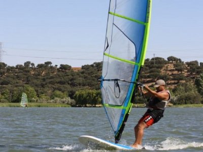 Bautismo de windsurf Embalse de Valdecañas 2 horas