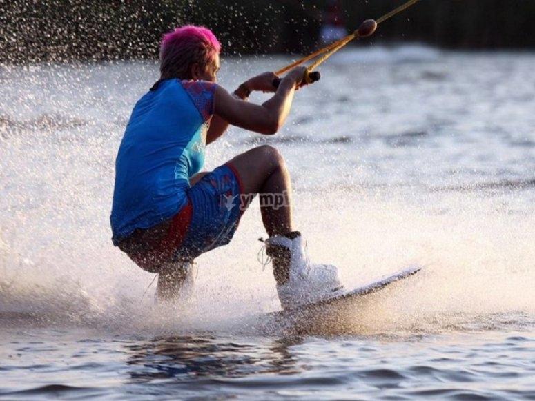 Pratiquer le wakeboard
