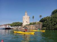 Alquiler de kayak para niños en río Guadalquivir