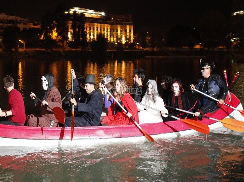 Ruta en canoa una noche muy especial