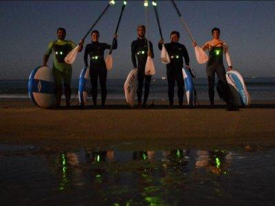 Ruta nocturna de paddle surf en Tarifa 2 horas