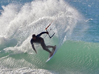 Alquiler equipo completo kitesurf Tarifa medio día