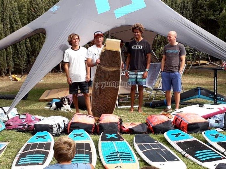 参与者的冲浪板