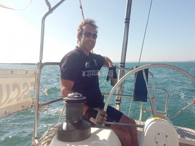 Capitán al timón