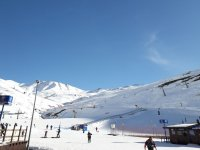 Learn to ski in the Aragonese Pyrenees