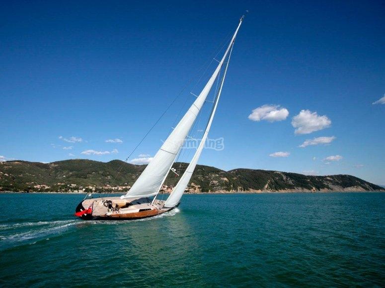 Aprendiendo a navegar en vela