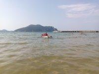到达皮划艇的海岸