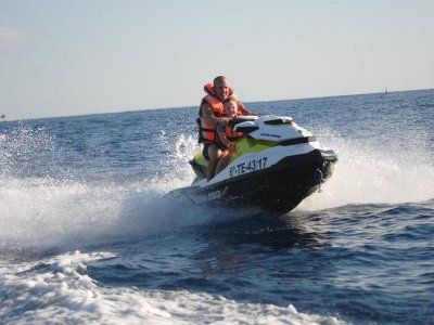 Two-seater jet ski route and monitor in Riaño 30 m