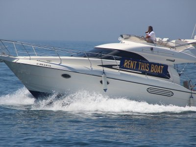 Yacht route through Marbella coast and drinks 6h