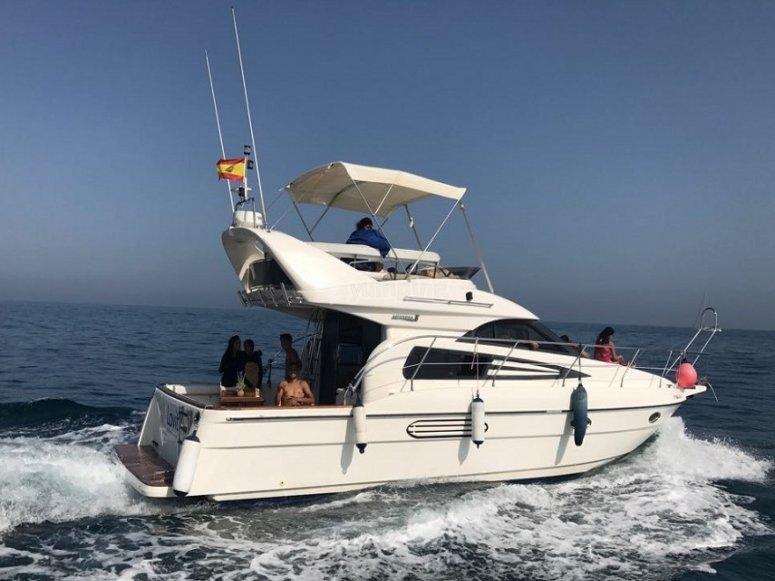 Disfrutando de la compañía en el barco