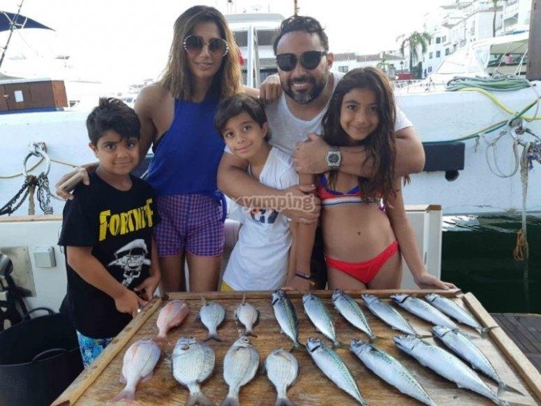 钓鱼的家庭