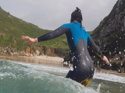 Surf lessons and complete equipment in Llanes 3h