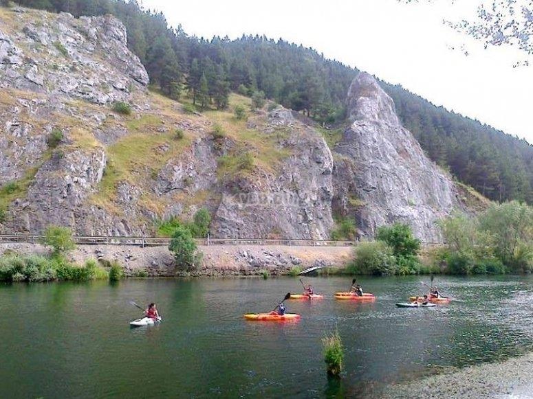 Piragüismo por el río