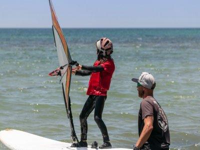 Clase de windsurf para niños en Tarifa 1h 30min