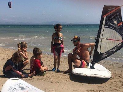Curso windsurf niños iniciación Tarifa 3 días