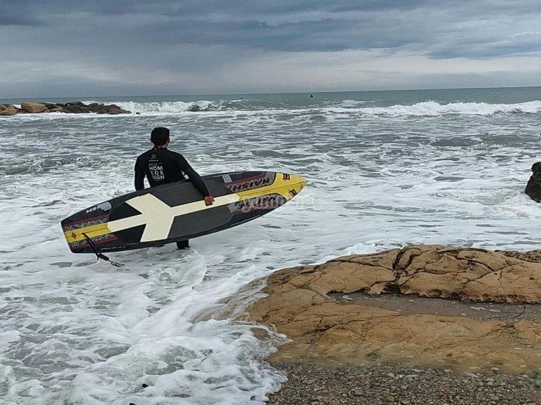 Andare in mare con la tavola da surf