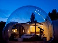 Telescopio en la habitación burbuja