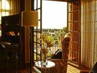 Saloncito y ventanal