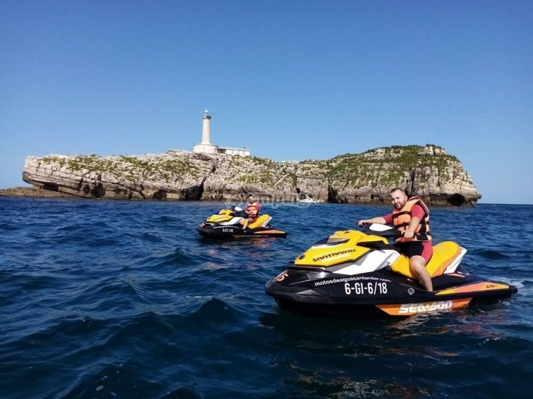 In the Bay of Santander with jet skis