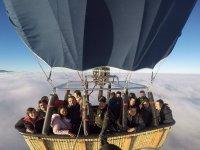 经过的云气球