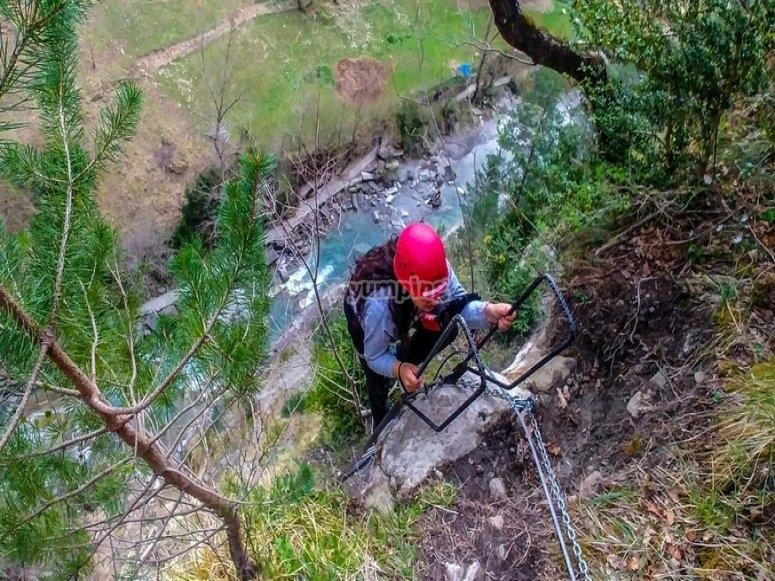 Vía ferrata en la Cascada de Sorrosal