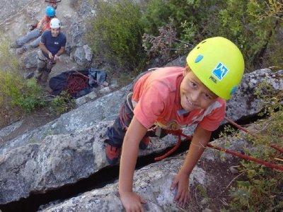 Climbing baptism for children in La Pedriza 4h