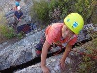 Bautismo de escalada niños en La Pedriza 4h