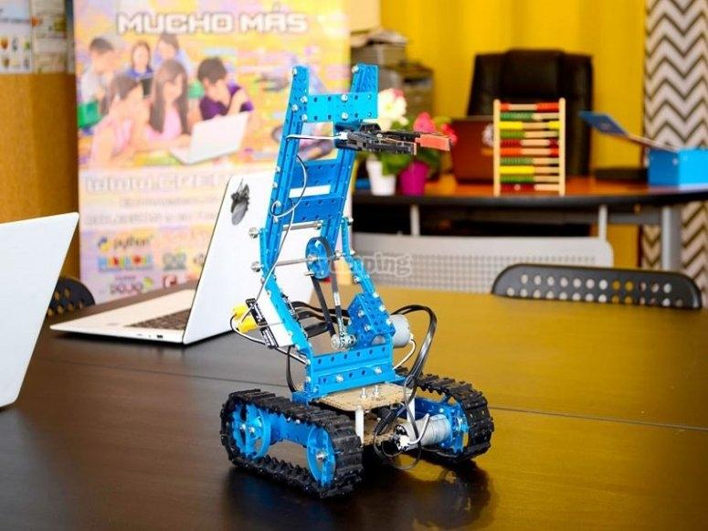 小孩子的机器人创作