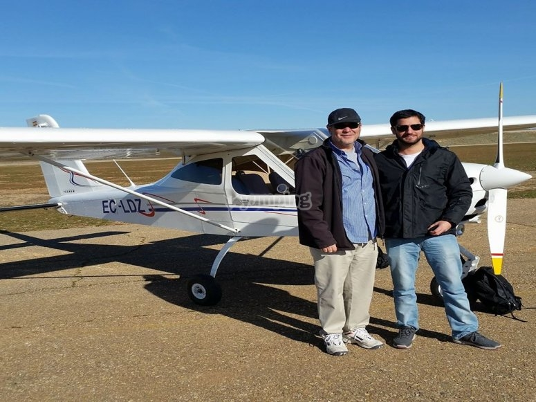 Pilots together at the ultralight