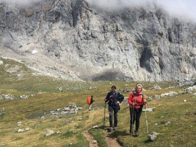 Hiking to the Collado Jermoso Refuge 2 days
