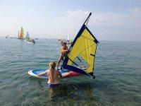 儿童风帆冲浪