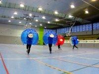 Corriendo hacia el balon