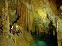 All'interno della grande sala di una grotta