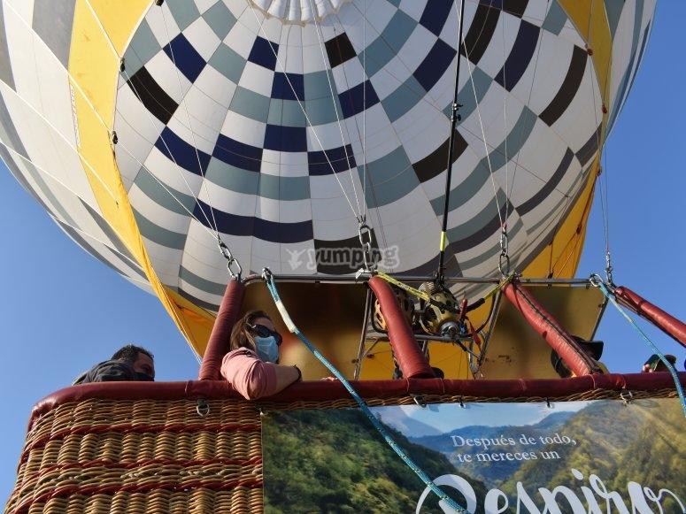 Despegando con el globo aerostatico