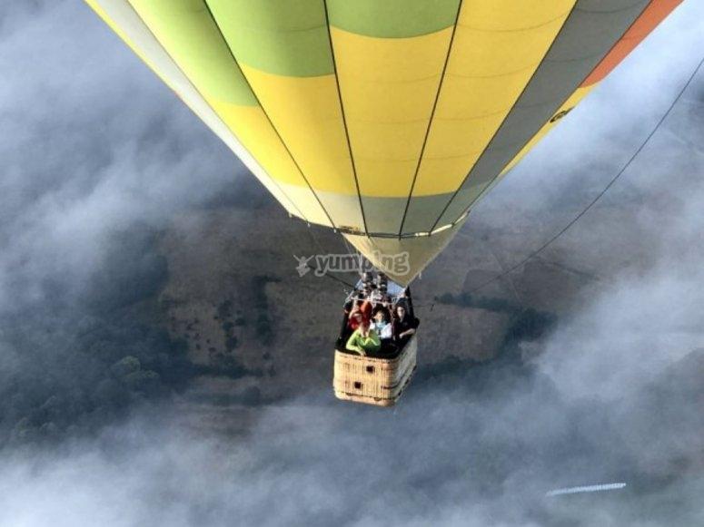 Volo in mongolfiera con la famiglia