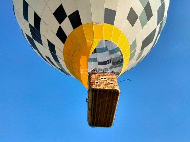 Viaje en globo por encima del Miño
