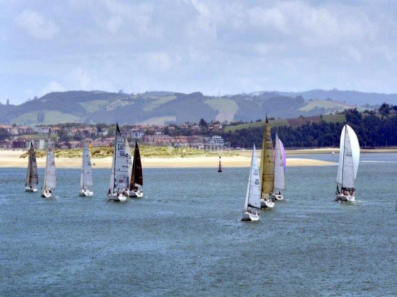 Regata de veleros en Santander