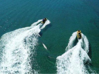埃尔马斯诺的两人座摩托艇租赁40分钟