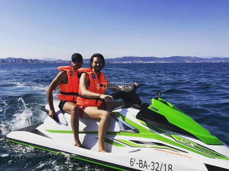 巴塞罗那两人摩托艇的