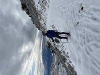 在雪地上穿越
