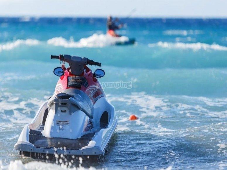 海上摩托艇
