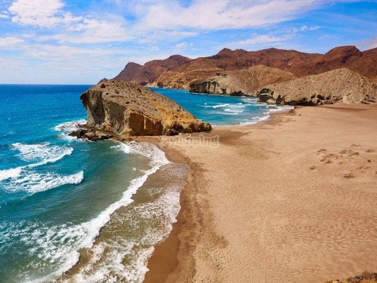 穿过阿尔梅里亚海岸(Costa deAlmería)