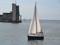 帆船航海日帆船船头
