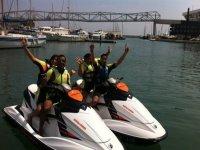 的巴塞罗那乐趣与同事在puerto.JPG Embarcacion