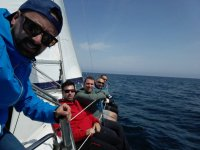 Tripulantes en el velero