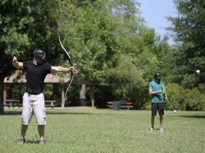 Battle archery tag outdoors in Viveda 1 hour